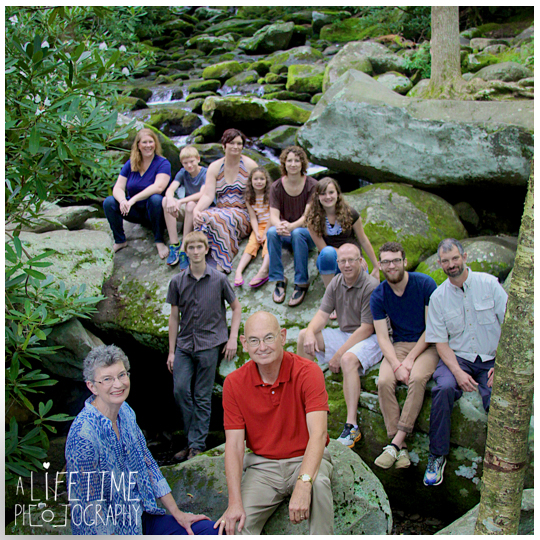 Gatlinburg-Pigeon-Forge-Sevierville-Family-reunion-Photographer-roaring-Fork-Motor-Nature-Trail-Seymour-Knoxville-TN-Smoky-Mountains-National-Park-townsend-Dandridge-Newport-Cosby-Greeneville-6