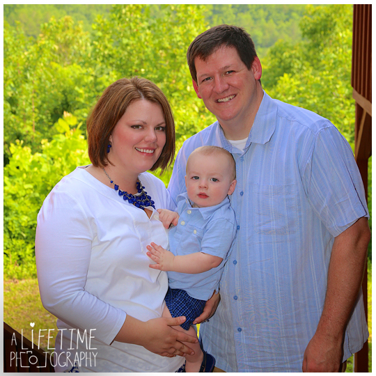 Gatlinburg-Pigeon-Forge-Smoky-Mountain-Cabin-Family-Photographer-kids-reunion-fun-photos-7