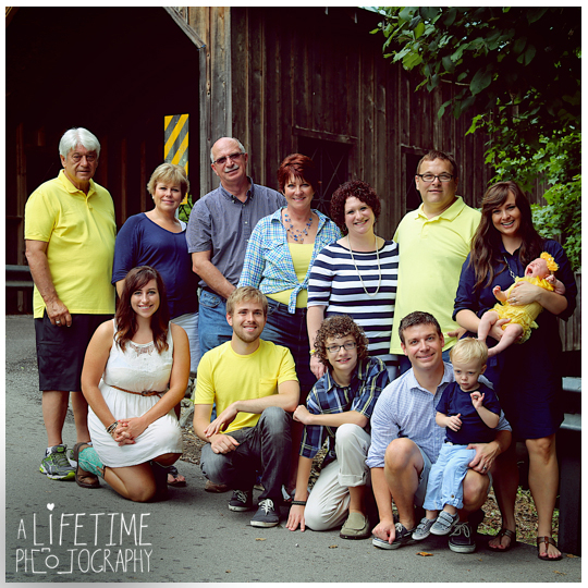 Gatlinburg-Pigeon-Forge-TN-Family-Photographer-Fun-photos-sisters-families-Sevierville-Knoxville-TN-Emerts Cove-5