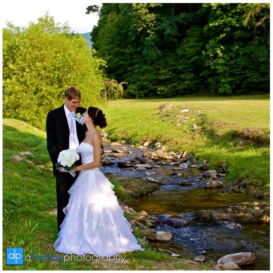 Gatlinburg-Pigeon-Forge-TN_Honey-Suckle-Hills-Wedding-Photographer-Smoky-Mountain-Sevierville-Knoxville-Kodak