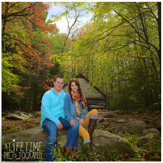 Gatlinburg-Sky-Lift-Marriage-proposal-engagement-Photographer-Pigeon-Forge-Smoky Mountains-10