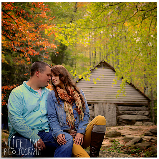 Gatlinburg-Sky-Lift-Marriage-proposal-engagement-Photographer-Pigeon-Forge-Smoky Mountains-11