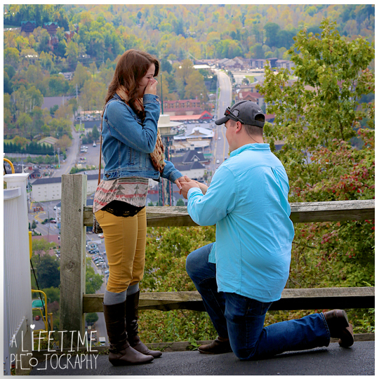 Gatlinburg-Sky-Lift-Marriage-proposal-engagement-Photographer-Pigeon-Forge-Smoky Mountains-3