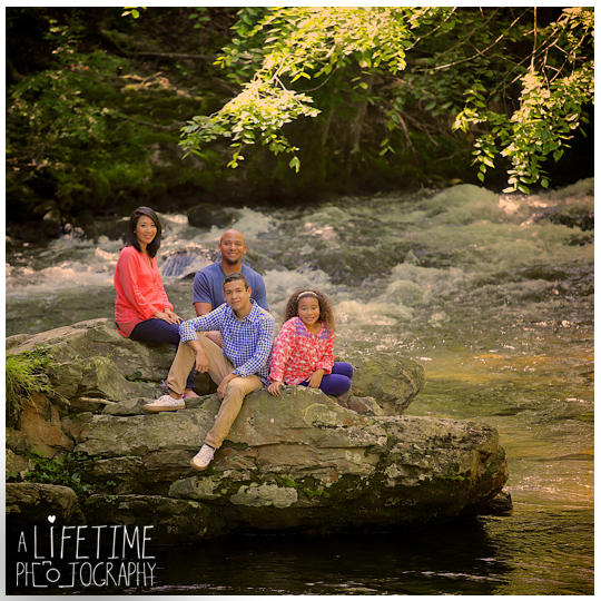 Gatlinburg-Smoky-Mountain-Family-Photographer-photo-session-Emerts-Cove-Pigeon-Forge-Knoxville-TN-10