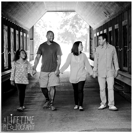 Gatlinburg-Smoky-Mountain-Family-Photographer-photo-session-Emerts-Cove-Pigeon-Forge-Knoxville-TN-9