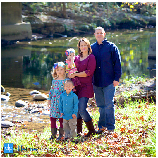 Gatlinburg-TN-Family-Kids-Reunion-Photographer-at-Emerts-Cove-Pigeon-Forge-Smoky-Mountains-Photography-Sevierville-Wears-Valley-Pittman-Center-10