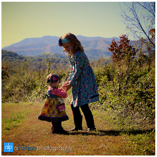 Gatlinburg-TN-Family-Kids-Reunion-Photographer-at-Emerts-Cove-Pigeon-Forge-Smoky-Mountains-Photography-Sevierville-Wears-Valley-Pittman-Center-5