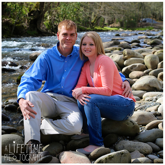 Gatlinburg-TN-Family-Photographer-Pigeon-Forge-Sevierville-Smoky-Mountains-Emerts-Cove-kids-8