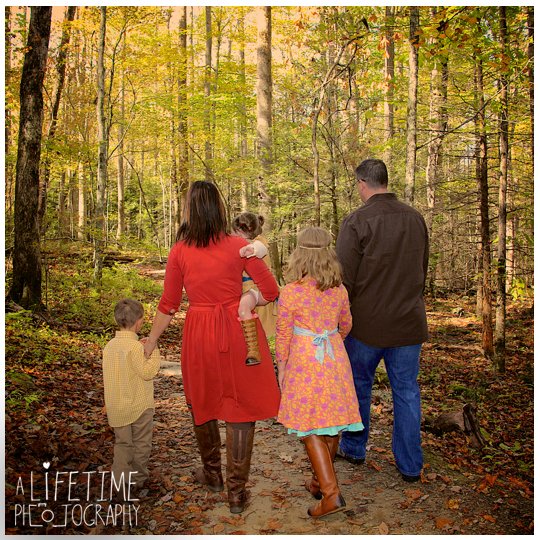 Gatlinburg-TN-Family-Photographer-at Noah-Bud_Ogle-Place-Kids-Pigeon-Forge-Sevierville-Wears-Valley-Smoky-Mountains-4