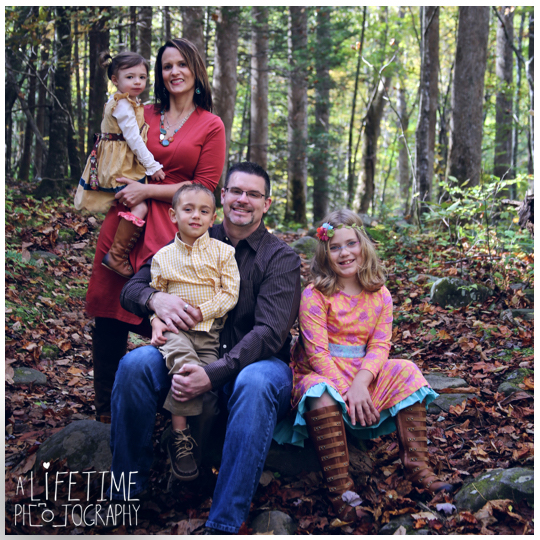 Gatlinburg-TN-Family-Photographer-at Noah-Bud_Ogle-Place-Kids-Pigeon-Forge-Sevierville-Wears-Valley-Smoky-Mountains-5