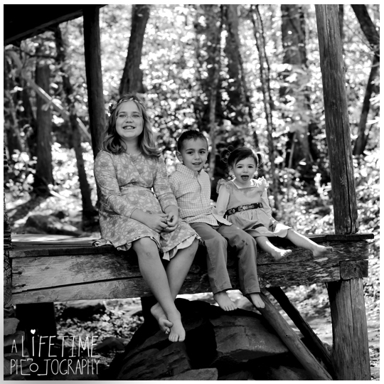 Gatlinburg-TN-Family-Photographer-at Noah-Bud_Ogle-Place-Kids-Pigeon-Forge-Sevierville-Wears-Valley-Smoky-Mountains-8
