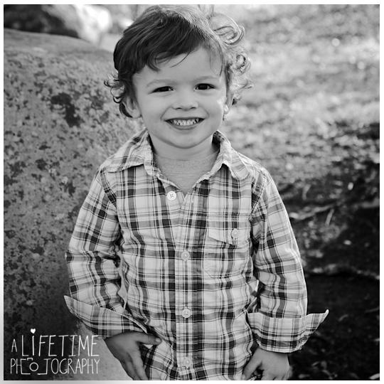 Gatlinburg-TN-Family-Photographer-kids-photos-Sevierville-Pigeon-Forge-TN-Smoky-Mountains-10