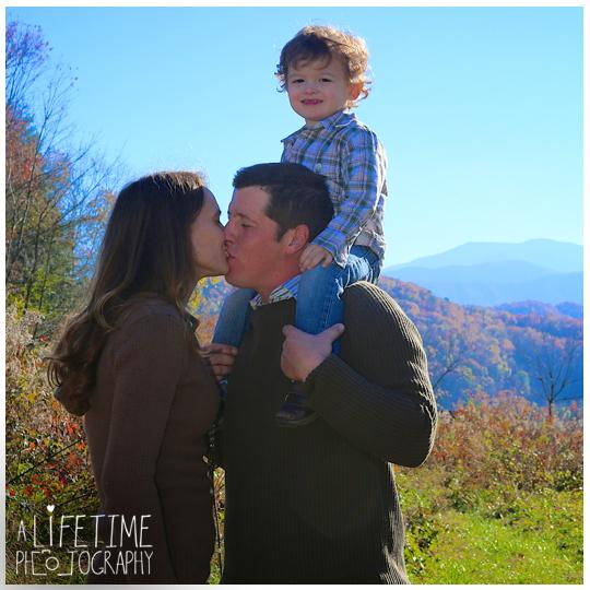 Gatlinburg-TN-Family-Photographer-kids-photos-Sevierville-Pigeon-Forge-TN-Smoky-Mountains-2