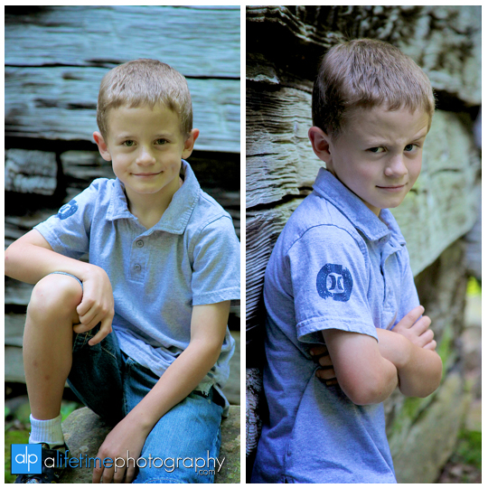 Gatlinburg-TN-Family-Photographer-reunion-grandkids-Pigeon_forge-Sevierville-Knoxville-Greenbrier-wears-valley-Myatt-Park-Cabins-waterfalls-kids-adults-grandparents-photography-session-photos-photoshoot-session-4