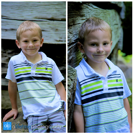 Gatlinburg-TN-Family-Photographer-reunion-grandkids-Pigeon_forge-Sevierville-Knoxville-Greenbrier-wears-valley-Myatt-Park-Cabins-waterfalls-kids-adults-grandparents-photography-session-photos-photoshoot-session-5
