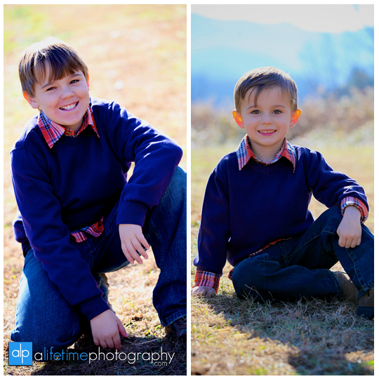 Gatlinburg Tn Family Photographer in Pigeon Forge Sevierville Smoky Mountains kids photography emerts cove covered bridge water river fun pictures-2