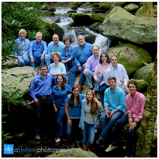 Gatlinburg-Tn-Pigeon-Forge-Family_photographer-in-the-smoky-mountains-national-park-river-reunion-photography-pictures-kids-granparents-anniversary-vacation-session-sevierville-pittman-center-wears-valley-Maryville-Knoxville-Seymour-waterfall-1