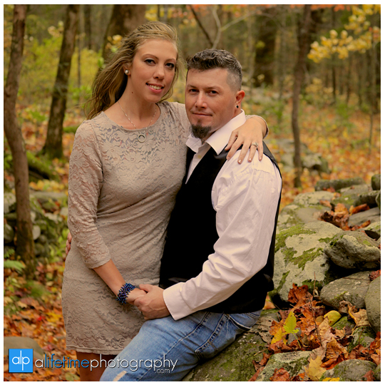 Gatlinburg-Wedding-Photographer-Pigeon-Forge-TN_Ogle-Place-Fall-Bride-Groom-cabin-Sevierville-Newport-Cosby-Wears-Valley-Townsend-Couple-Anniversary-15