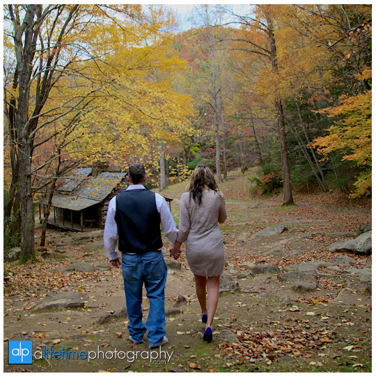 Gatlinburg-Wedding-Photographer-Pigeon-Forge-TN_Ogle-Place-Fall-Bride-Groom-cabin-Sevierville-Newport-Cosby-Wears-Valley-Townsend-Couple-Anniversary-6