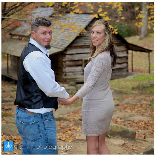 Gatlinburg-Wedding-Photographer-Pigeon-Forge-TN_Ogle-Place-Fall-Bride-Groom-cabin-Sevierville-Newport-Cosby-Wears-Valley-Townsend-Couple-Anniversary-7
