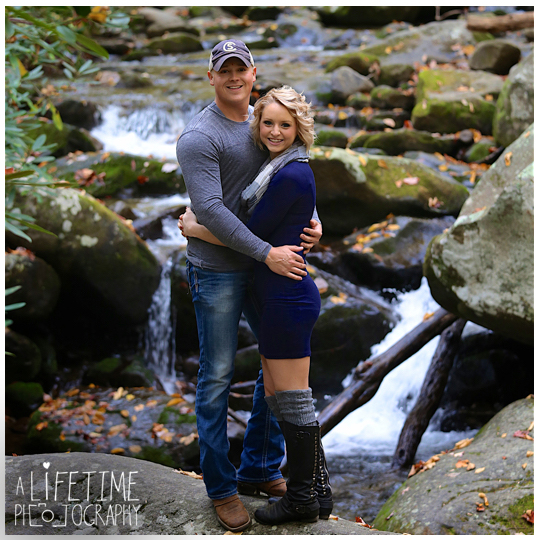 Gatlinburg-engagement-photographer-couple-dog-pet-Smoky-Mountains-Pigeon-Forge-Fall-Autumn-8