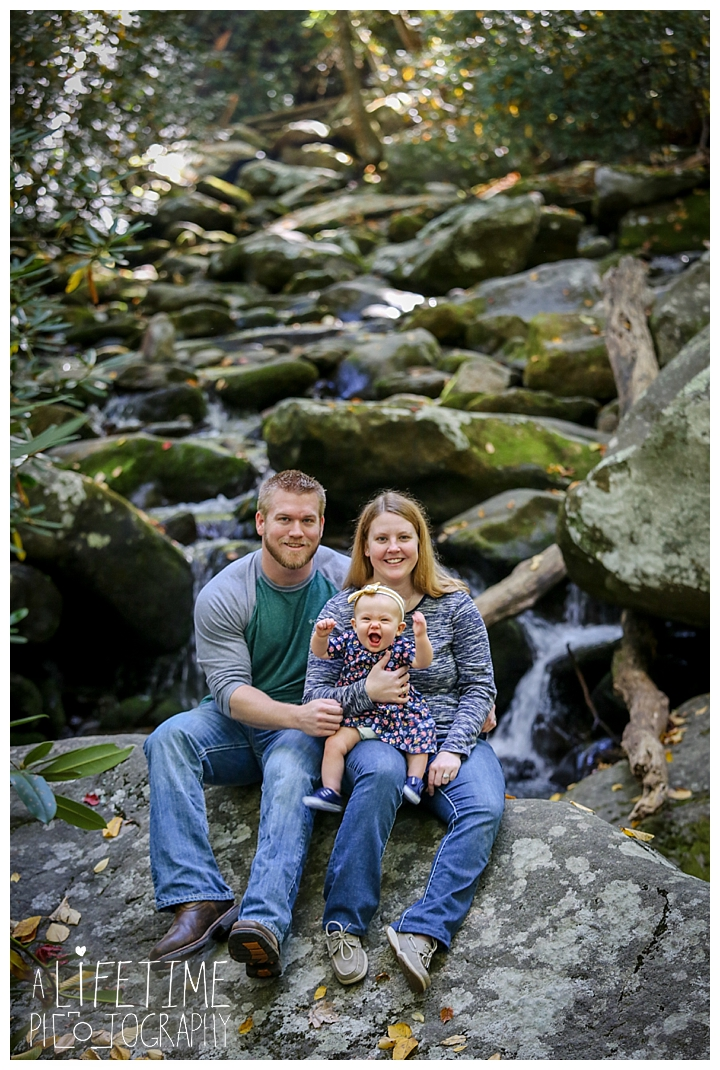 gatlinburg-photographer-pigeon-forge-family-wedding-kids-senior-sevierville-roaring-fork-motor-nature-trail-smoky-mountains-knoxville-townsend-wears-valley-seymour_0005