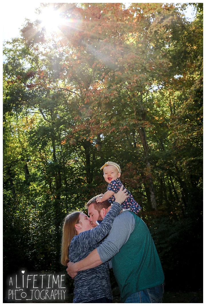 gatlinburg-photographer-pigeon-forge-family-wedding-kids-senior-sevierville-roaring-fork-motor-nature-trail-smoky-mountains-knoxville-townsend-wears-valley-seymour_0006