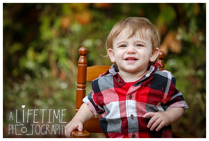 gatlinburg-photographer-pigeon-forge-family-wedding-kids-senior-sevierville-cabin-fever-smoky-mountains-knoxville-townsend-wears-valley-seymour_0035