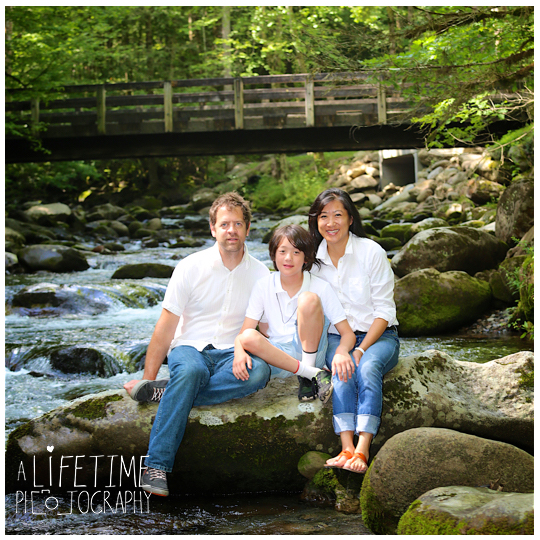 Greenbriar-Family-Photographer-Smoky-Mountains-Gatlinburg-Pigeon-Forge-Tn-Tennessee-Reunion-3