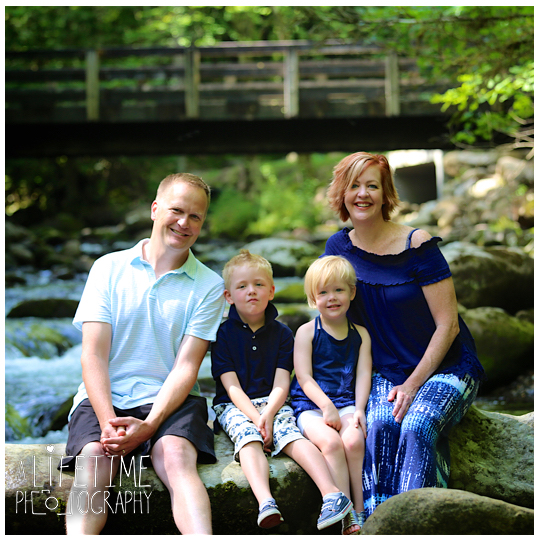 Greenbriar-Family-Photographer-Smoky-Mountains-Gatlinburg-Pigeon-Forge-Tn-Tennessee-Reunion-4