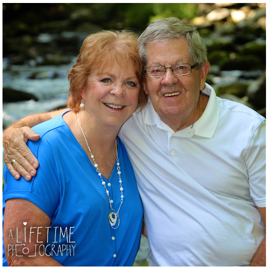 Greenbriar-Family-Photographer-Smoky-Mountains-Gatlinburg-Pigeon-Forge-Tn-Tennessee-Reunion-5