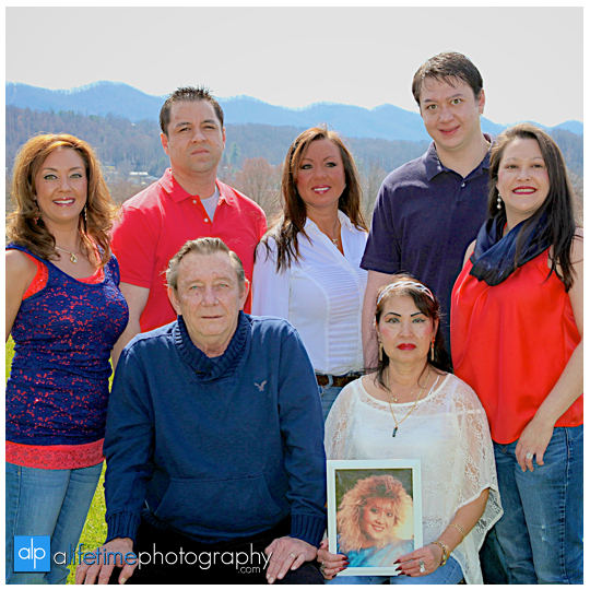 Johnson-City-Family-Reunion-Photographer-Kingsport-Bristol-Jonesborough-Gray-Boones-Creek-TN-VA-Parks-Families-Kids-get-together-Large-kids-Easter-Spring-Summer-Photography-Session-1