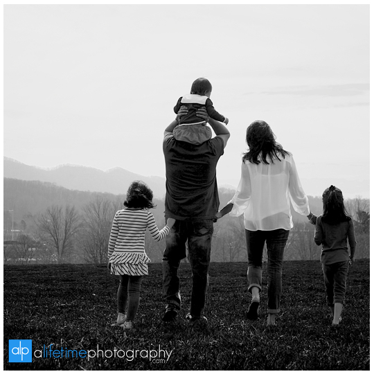 Johnson-City-Family-Reunion-Photographer-Kingsport-Bristol-Jonesborough-Gray-Boones-Creek-TN-VA-Parks-Families-Kids-get-together-Large-kids-Easter-Spring-Summer-Photography-Session-13