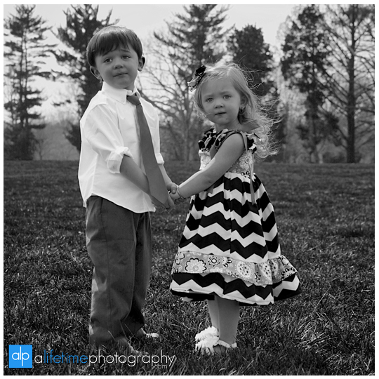 Johnson-City-Family-Reunion-Photographer-Kingsport-Bristol-Jonesborough-Gray-Boones-Creek-TN-VA-Parks-Families-Kids-get-together-Large-kids-Easter-Spring-Summer-Photography-Session-16