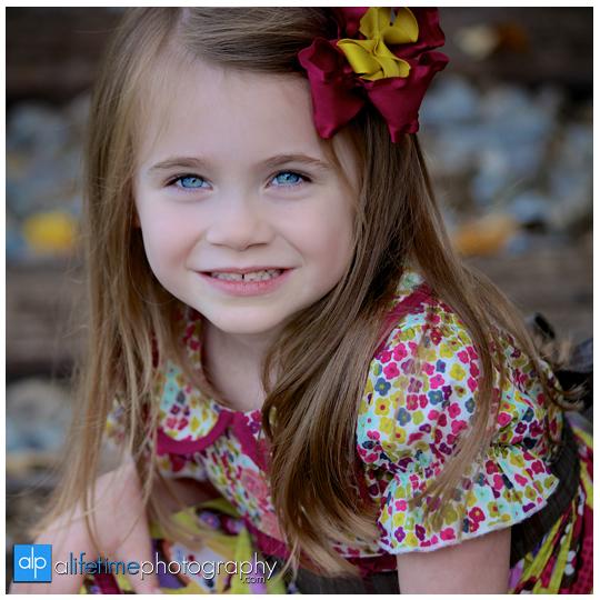 Johnson-City-Jonesborough-Downtown-Kingsport-TN-Family-Photographer-Kids-Photography-16