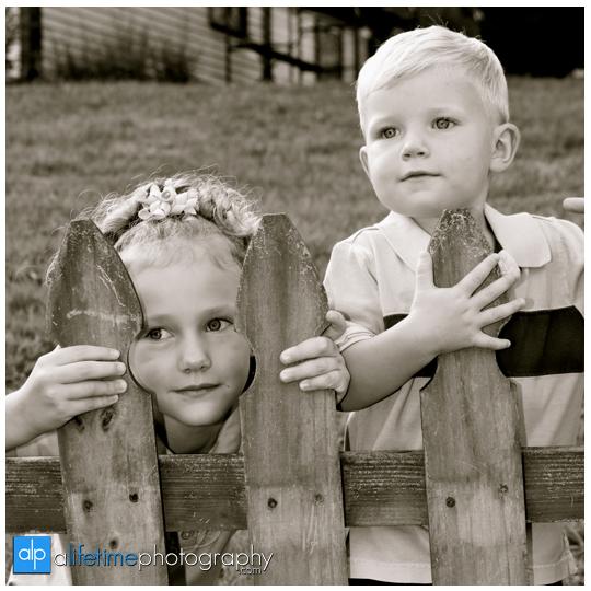 Johnson-City-Jonesborough-Tri-cities-tn-Kingsport-Bristol-Johnson-city-downtown-family-photographer-kids-children