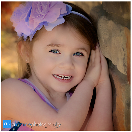 Kids-Photographer-Kingsport-TN_Rock-Springs-Park-Easter-Rabbit-Mini-Session-Bunny-Family-Pictures-Photos-Spring-Children-Bristol-Johnson-City-Tennessee-Jonesborough-Gray-Boones-Creek-Photography-9