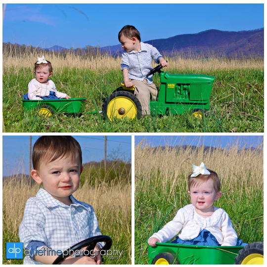 Kids_Family_Children_Photographer_Telford_TN_Limestone_Jonesborough_Tri_Cities_Johnson_City_Country_open_field_family_Photography_portraits_Session_pictures
