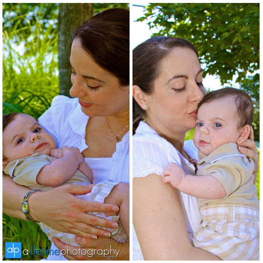 Kids_Family_Photographer_Chattanooga_TN_Coolidge_Park_Pictuers_Portraits_Mini_Session_Baby_Newborn