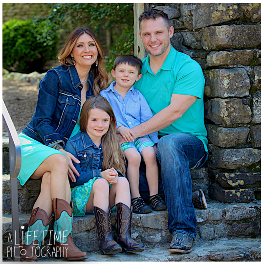 Knoxville-TN-Family-Photographer-Botanical-Gardens-Maryville-Seymour-Townsend-Clinton-Powell-TN-Sevierville-Gatlinburg-Pigeon-Forge-Photography-kids-photos-pictures-session-1