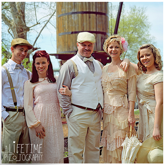 Knoxville-Vintage-Photographer-Gatsby-19th Century-Historic-Kingston-Pike-Homes-Volunteer-Landings-Downtown-Family-Anniversary-Photography-photography-Maryville-Sevierville-Pigeon-Forge-Gatlinburg-Maryville-Clinton-Powell-Seymour-14