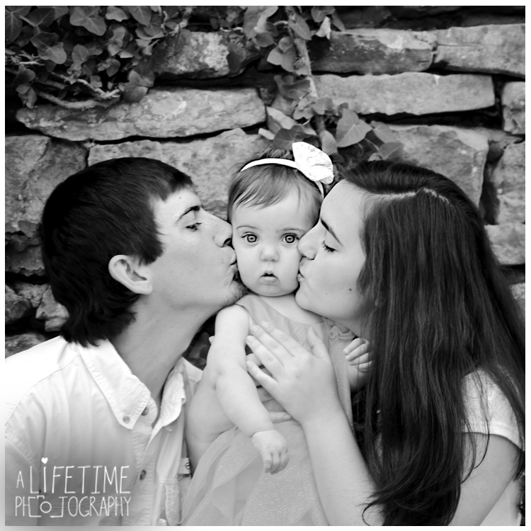 Knoxville-mini-sessions-Botanical-Gardens-Family-Photographer-kids-children-6