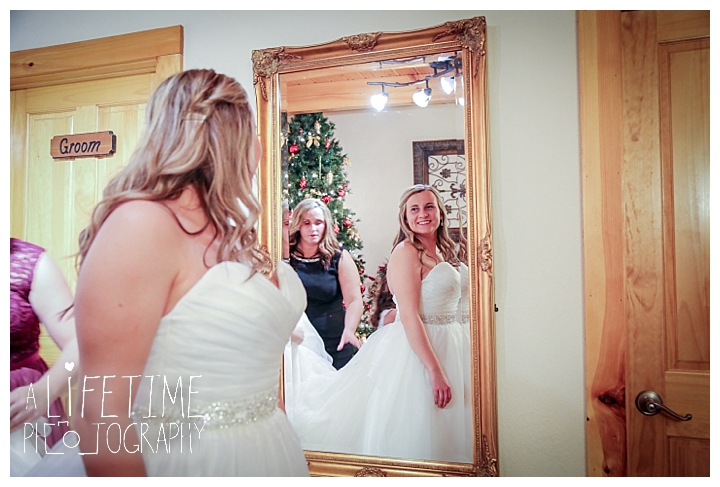 Little Log chapel Wedding Photographer Gatlinburg-Pigeon-Forge-Knoxville-Sevierville-Dandridge-Seymour-Smoky-Mountains-Townsend-Photos-Greenbriar Session-Professional-Maryville_0347