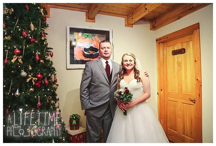 Little Log chapel Wedding Photographer Gatlinburg-Pigeon-Forge-Knoxville-Sevierville-Dandridge-Seymour-Smoky-Mountains-Townsend-Photos-Greenbriar Session-Professional-Maryville_0352