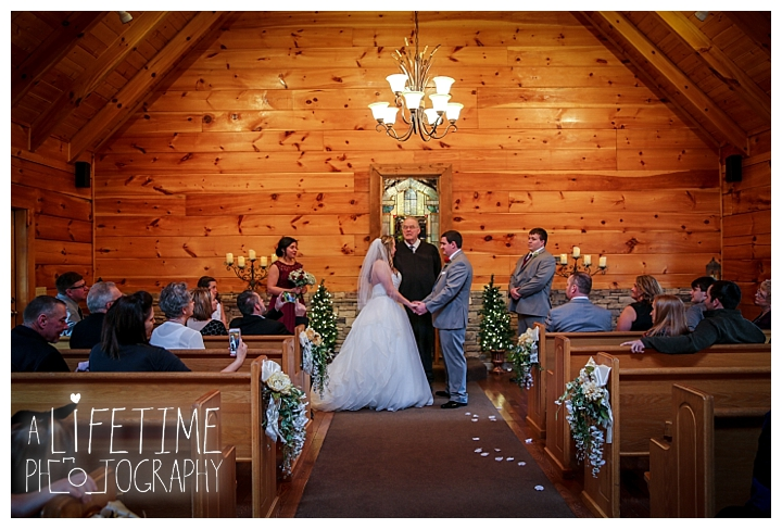 Little Log chapel Wedding Photographer Gatlinburg-Pigeon-Forge-Knoxville-Sevierville-Dandridge-Seymour-Smoky-Mountains-Townsend-Photos-Greenbriar Session-Professional-Maryville_0357