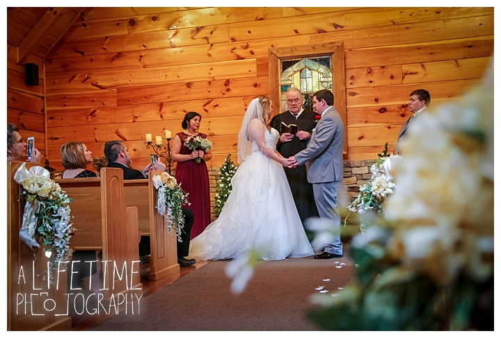 Little Log chapel Wedding Photographer Gatlinburg-Pigeon-Forge-Knoxville-Sevierville-Dandridge-Seymour-Smoky-Mountains-Townsend-Photos-Greenbriar Session-Professional-Maryville_0359