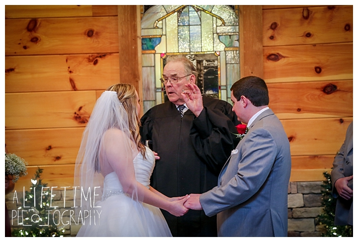 Little Log chapel Wedding Photographer Gatlinburg-Pigeon-Forge-Knoxville-Sevierville-Dandridge-Seymour-Smoky-Mountains-Townsend-Photos-Greenbriar Session-Professional-Maryville_0360