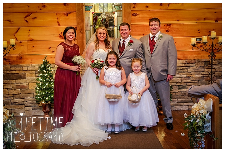Little Log chapel Wedding Photographer Gatlinburg-Pigeon-Forge-Knoxville-Sevierville-Dandridge-Seymour-Smoky-Mountains-Townsend-Photos-Greenbriar Session-Professional-Maryville_0368