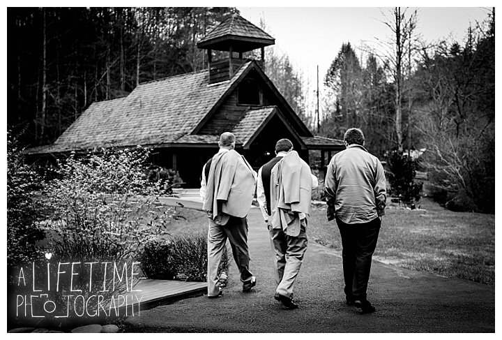 Little Log chapel Wedding Photographer Gatlinburg-Pigeon-Forge-Knoxville-Sevierville-Dandridge-Seymour-Smoky-Mountains-Townsend-Photos-Greenbriar Session-Professional-Maryville_0376
