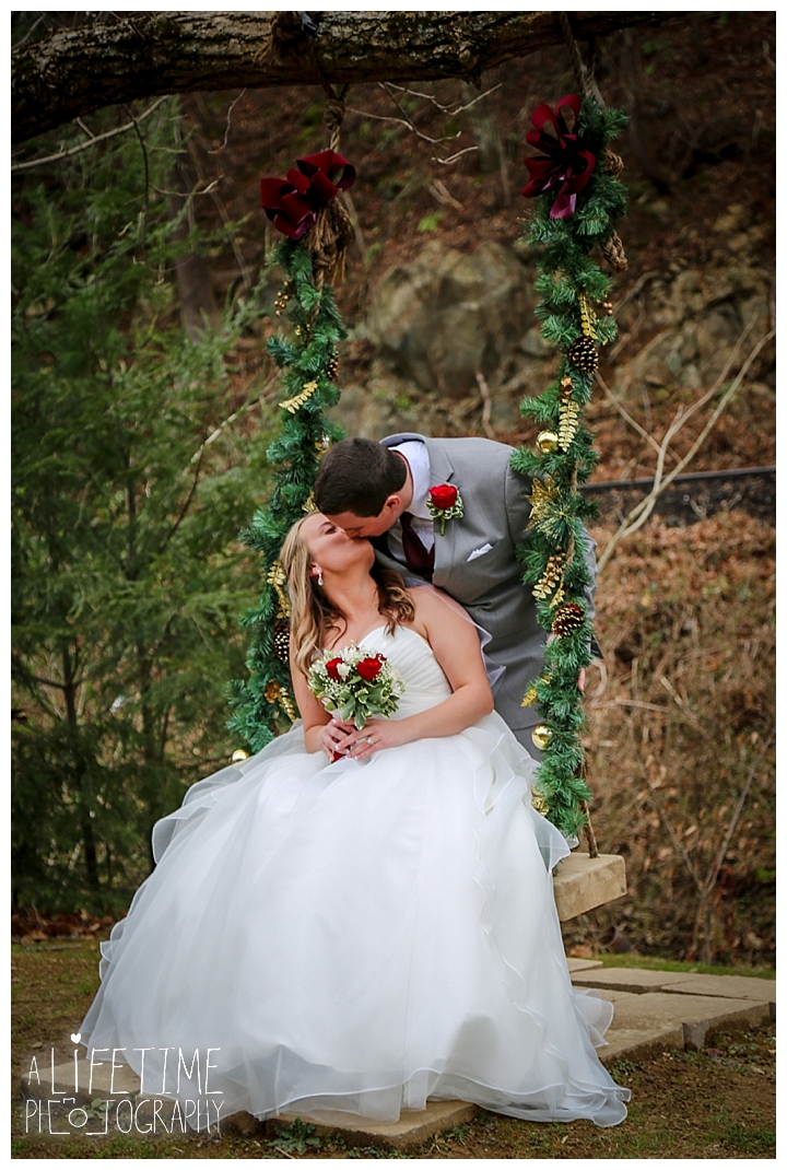 Little Log chapel Wedding Photographer Gatlinburg-Pigeon-Forge-Knoxville-Sevierville-Dandridge-Seymour-Smoky-Mountains-Townsend-Photos-Greenbriar Session-Professional-Maryville_0377
